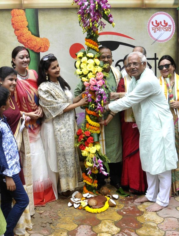 "West Bengal Power Minister Sovandeb Chatterjee, actress Rachana Banerjee and others participate in ""Khunti Puja"" at Ballygunge Cultural Association ahead of Durga Puja in Kolkata ... - Sovandeb Chatterjee and Rachana Banerjee"