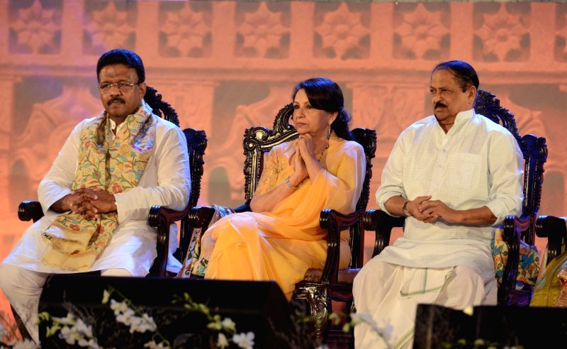 West Bengal Urban Development Minister Firhad Hakim, Panchayat and Rural Development Minister Subrata Mukherjee and actress Sharmila Tagore during the closing ceremony of 21st Kolkata ... - Firhad Hakim and Subrata Mukherjee