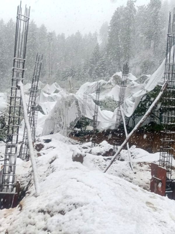 Winter returns to Himachal with widespread snow
