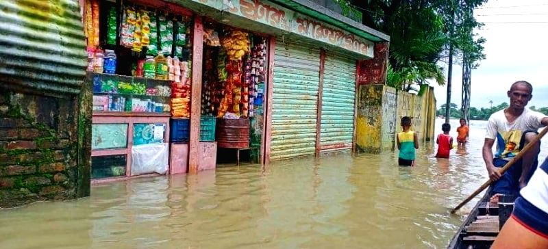 With rivers swollen, Bangladesh flood situation remains grim.