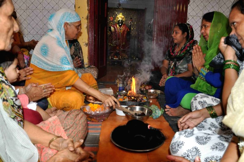 Women perform hawan over braid chopping incident