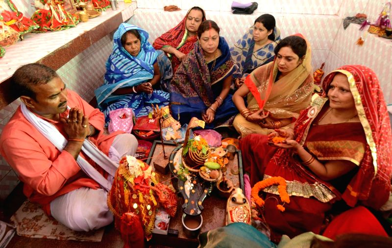 "Women perform rituals on ""Teej"" festival in Patna"