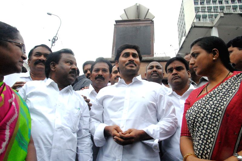 Y S R Congress chief YS Jaganmohan Reddy and others pay tribute to Basheerbagh Electricity Movement Martyrs at Basheerbagh in Hyderabad on Aug 28, 2014. - Jaganmohan Reddy