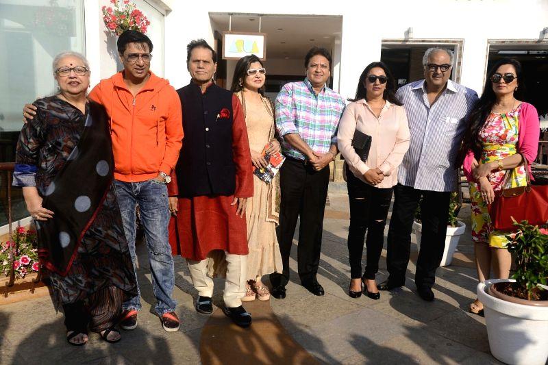 Yash Chopra Memorial Award jury members -  filmmaker Boney Kapoor, singer Alka Yagnik, actress Padmini Kohlapure, director Madhur Bhandarkar, script writer Honey Irani, and Anu and Shashi ... - Padmini Kohlapure, Asha Bhosle, Kapoor and Irani