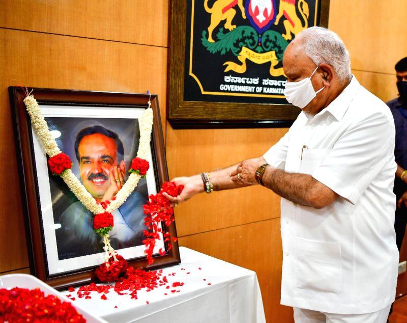 Yediyurappa credits Ananthkumar for BJP's growth in K'taka.
