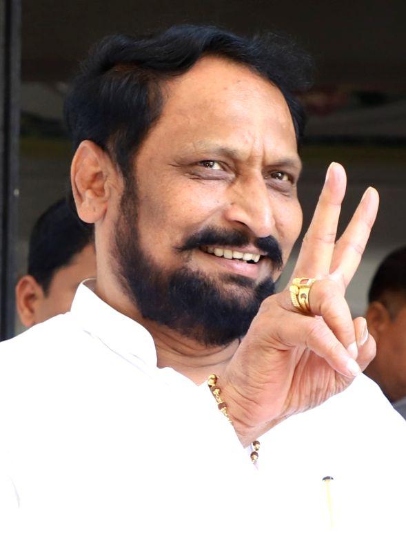 Yediyurappa will complete his term as CM, asserts K'taka BJP
