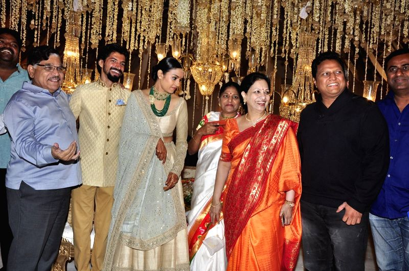 YS Jagan at Producer Ashwini Dutt daughter Priyanka Dutt's wedding reception at Dec 7, 2015.