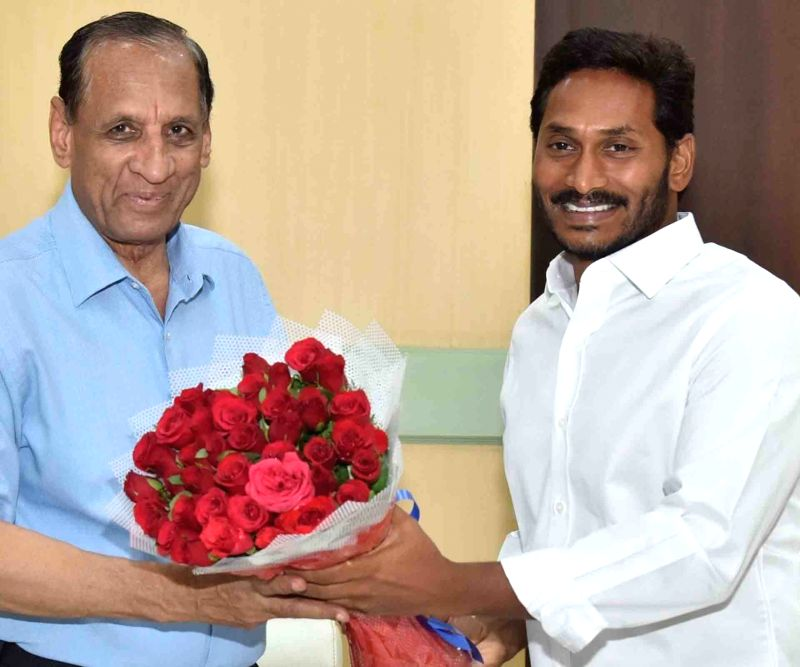 YSR Congress Party President Y.S. Jagan Mohan Reddy calls on Andhra Pradesh and Telangana Governor E. S. L. Narasimhan. (File Photo: IANS)
