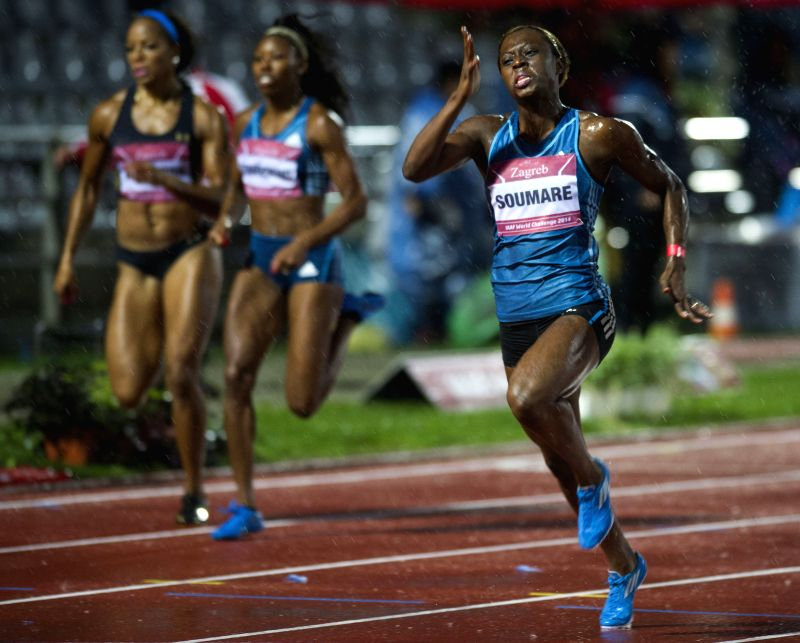 Myriam Soumare (R) of France competes during the women's 200m final at the IAAF World Challenge Zagreb 2014 in Zagreb, capital of Croatia, on Sept. 2, 2014. Myriam ..