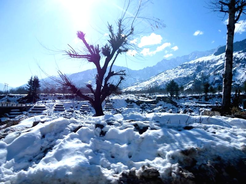 A view of snow clad Manali.