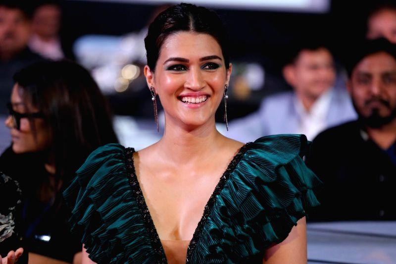 Actress Kriti Sanon at the Zee Cine Awards 2020.