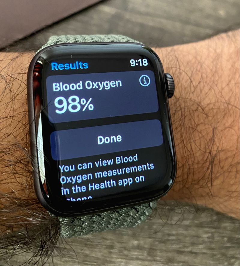 Apple releases watchOS 7.0.2 update with fix for battery drain bug