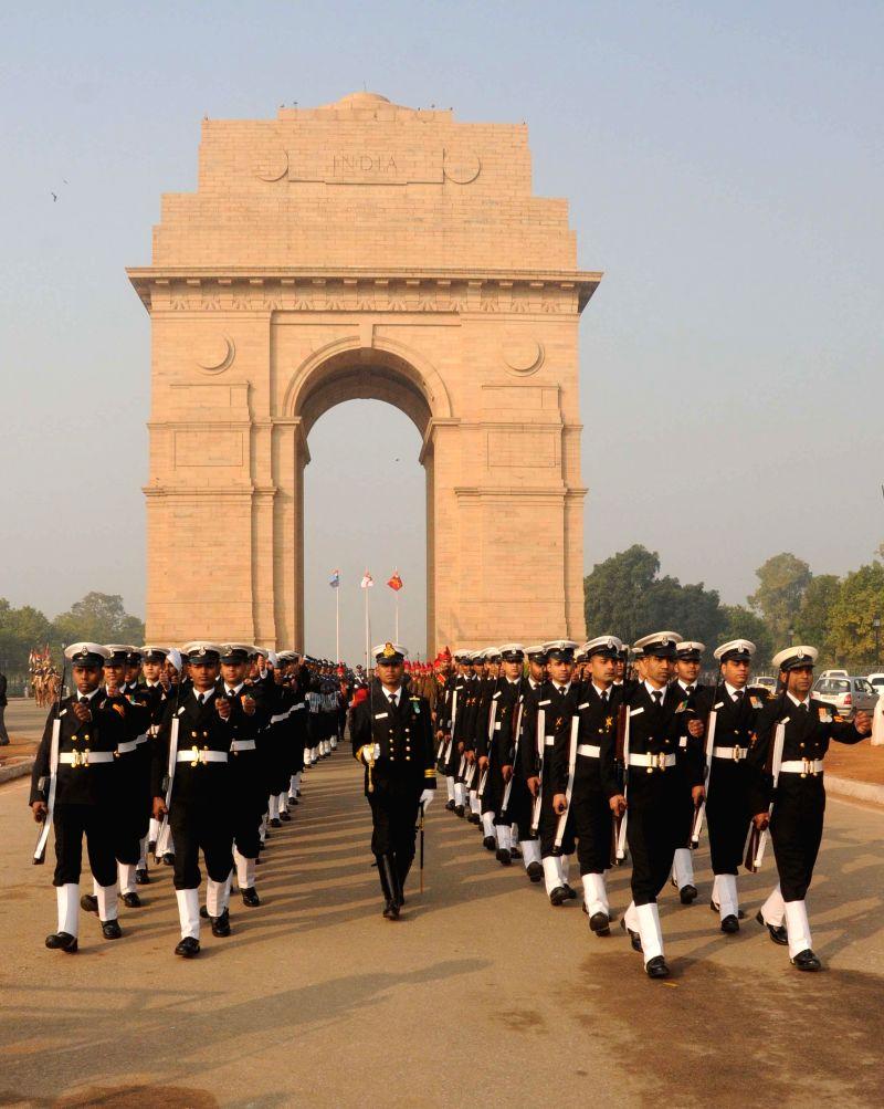 Soldiers during Vijay Diwas celebrations at the Amar Jawan Jyoti, India Gate in New Delhi, on Dec 15, 2014.