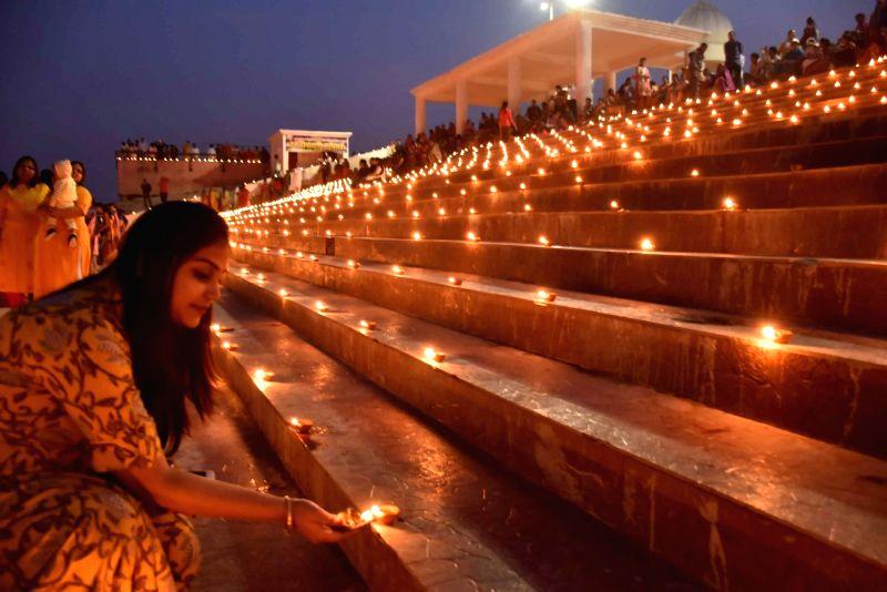 Dev Diwali 2020 Dev Diwali Date And Significance