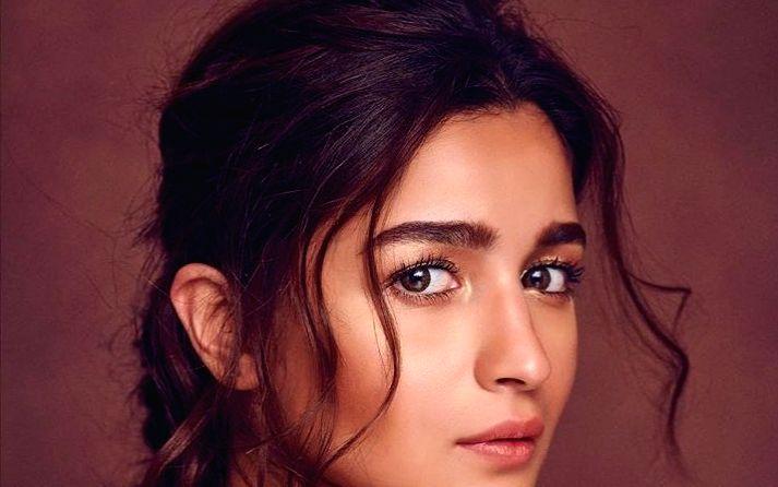 Alia Bhatt rocks in chic