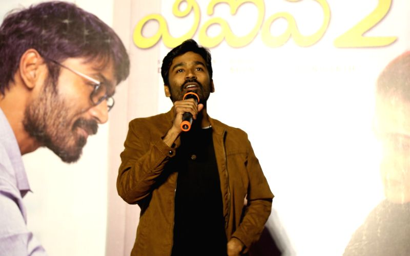 Dhanush completes 17 years in Tamil cinema, gets emotional while thanking fans