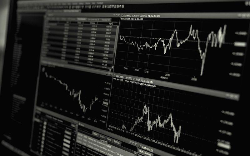 Buffett warns fixed-income investors of bleak future