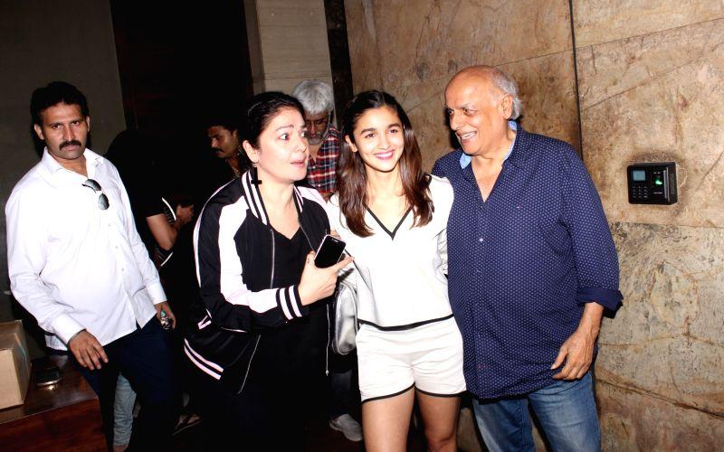 Mahesh Bhatt turns 70, will return to direction with 'Sadak 2'