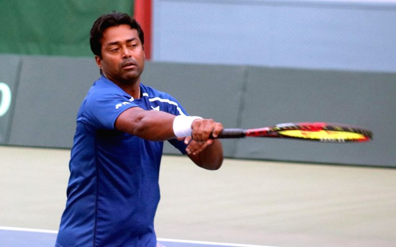 Paes given a befitting farewell at Bengaluru Open
