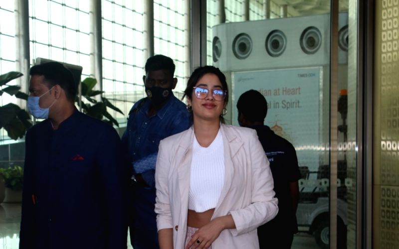 : Janhvi Kapoor Spotted At Airport Departure