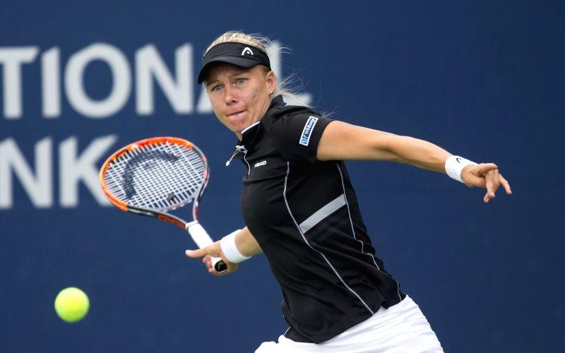 Wozniacki beats Larsson at Australian Open