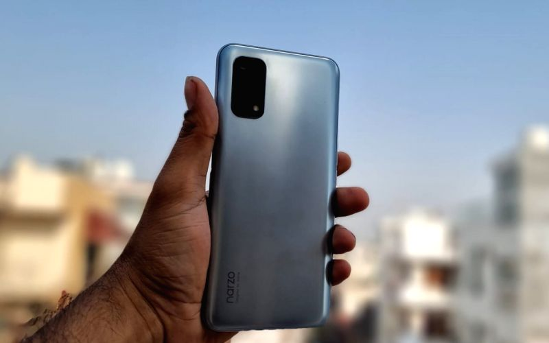 realme introduces two new