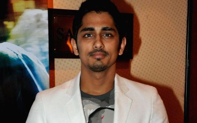 Actor Siddharth takes a sly dig at Akshay Kumar