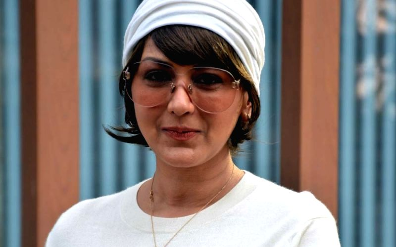 Sonali Bendre does a cute