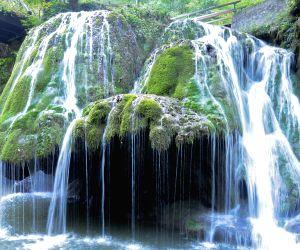 12 Alluring Waterfalls