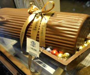BELGIUM BRUSSELS CHRISTMAS CHOCOLATE