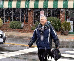 US ARLINGTON WEATHER SNOWFALL