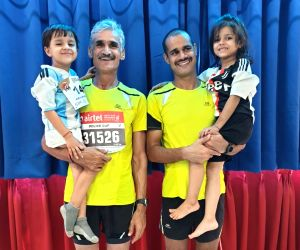 Free Photo: 3 Generation in Airtel Half Marathon