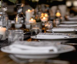 5 occasions to celebrate with luxurious meals in the comfort of your home during lockdown