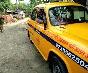Deprived of education, 65-year-old yellow cab driver runs two schools, orphanage in Sundarbans