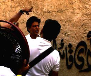 Behind the scenes look into SRK'S Dubai adventure