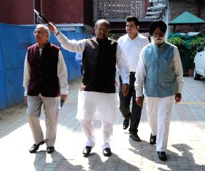 A delegation of JD (U), Congress at Election Commission office