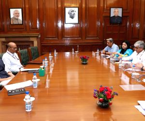 Delegation led by Punjab CM meets Rajnath Singh