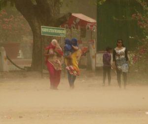 Dust storm hits national capital