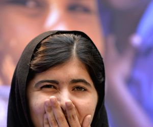 Malala paints portrait of slain Rio councilwoman