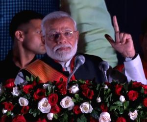 Stop using single-use plastics: Modi