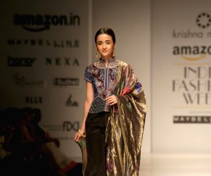 Amazon India Fashion Week Autumn Winter 17 - Krishna Mehta