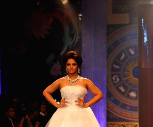 Neetu Chandra showstopper at IIJW - Grand finale