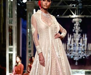 India Couture Week 2016 - Tarun Tahiliani