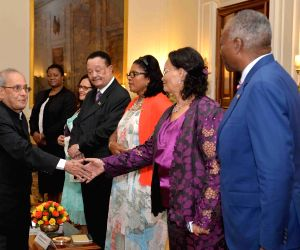 Namibian delegation calls on President Mukherjee