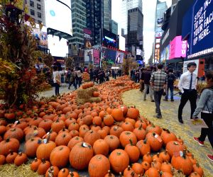 U.S. NEW YORK TIMES SQUARE PUMPKINS
