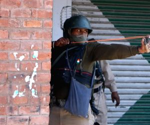 Clashes after Friday prayers in Srinagar