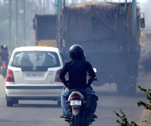 UP govt to hire youth in pollution checking centres