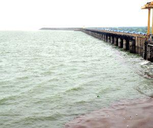 E Rajender release water to Kakatiya canal