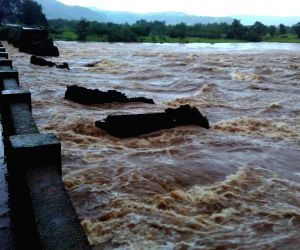 Two buses with 22 persons missing in Maharashtra, search launched