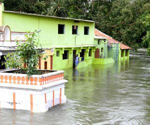 Mandya (Karnataka): Excess water released from KRS reservoir, leaves Mandya flooded